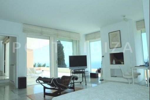 bedroom1-unique property-fantastic seaviews