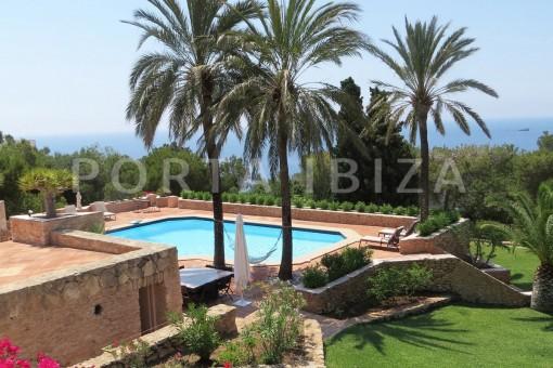pool terrace-unique property-fantastic seaviews