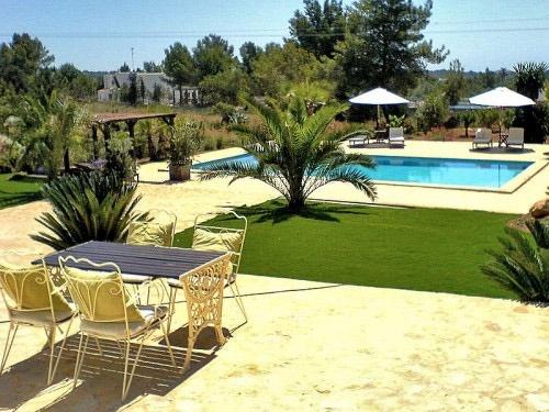 Garten-Pool-Santa Eularia-wunderbare Villa