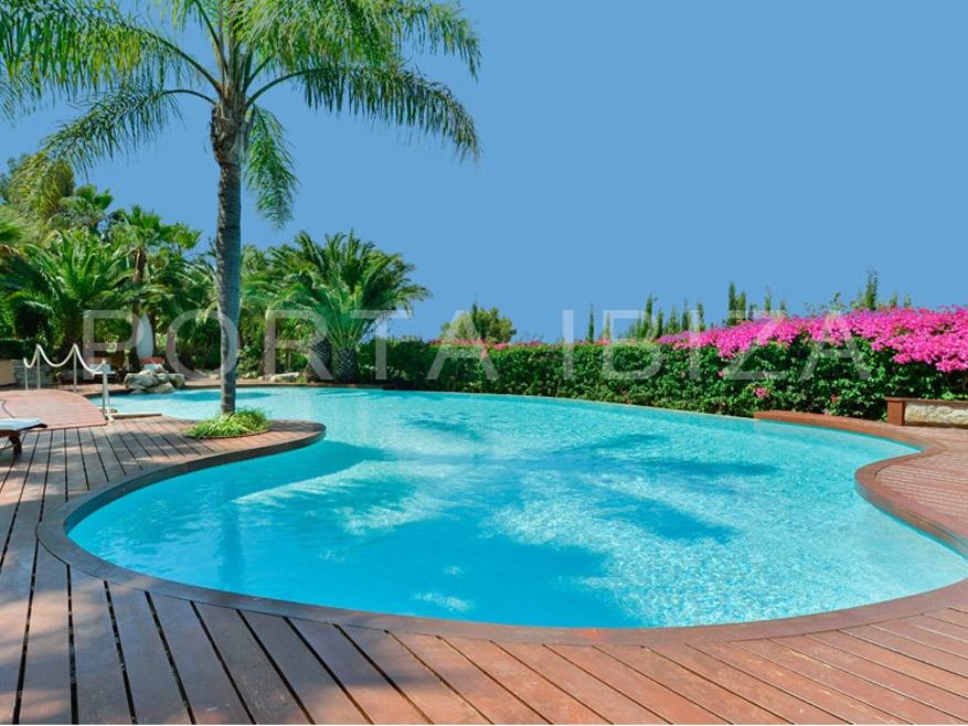 fantastic-villa-roca llisa-pool