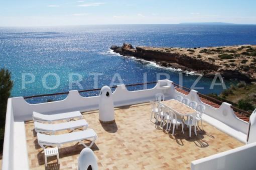 Außergewöhnliche  Villa in erster Linie mit fantastischem Blick in Cap Martinet
