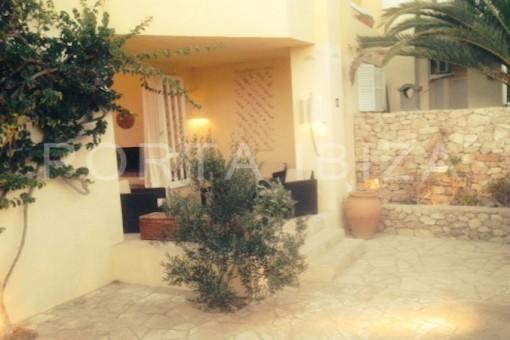 patio and terrace-calo den real-ibiza