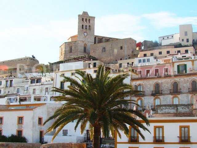 townhouse dalt vila-barrio