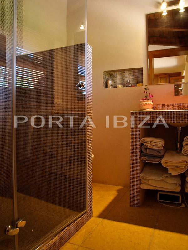 san jose house bathroom