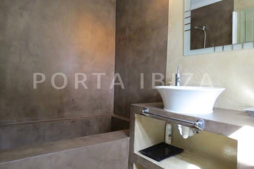 bathroom1-marvelous villa-es cubells