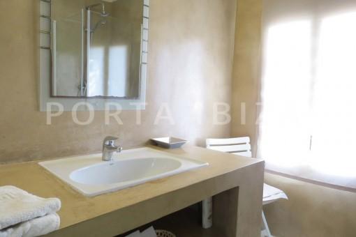 bathroom2-marvelous villa-es cubells