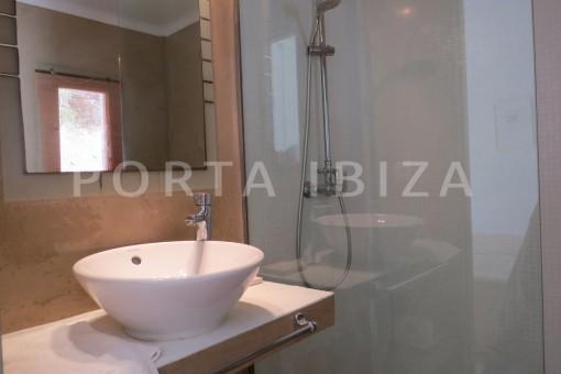bathroom3-marvelous villa-es cubells