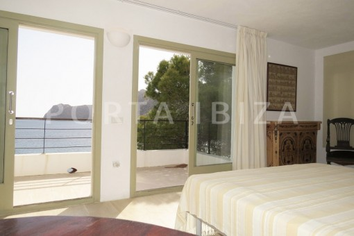 bedroom1-marvelous villa-es cubells