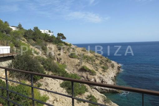 marvelous views-villa-es cubells