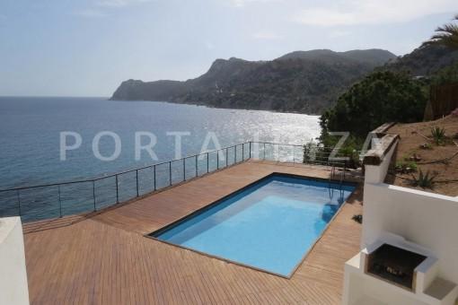 pool-seaview-marvelous villa-es cubells