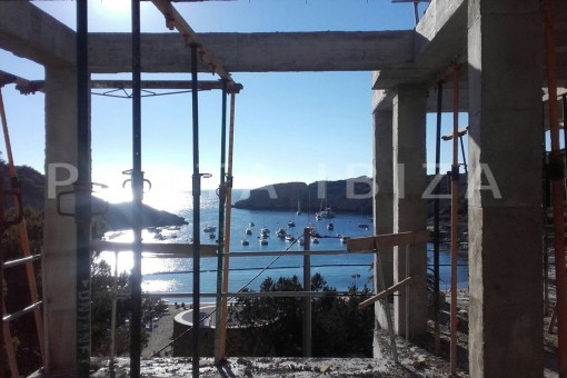 construction of apartments on the beach of Cala Vadella