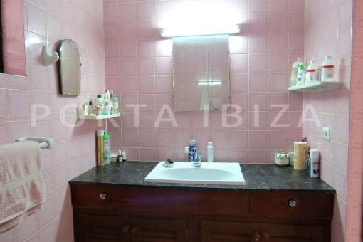 bathroom-charming house-santa eularia