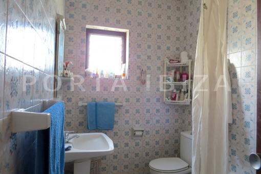 bathroom2-charming house-santa eularia
