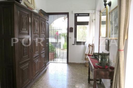 entrance area-charming house-santa eularia