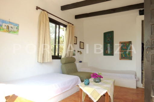 guest bedroom-charming house-santa eularia