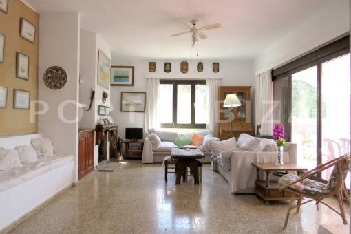 living room-charming house-santa eularia