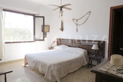 master bedroom-charming house-santa eularia