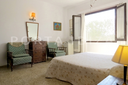 master bedroom-charming house