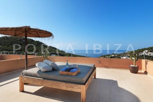 Fabelhafte Wohnung in Cala Carbó mit fantastischem Meer- und Landschaftsblick