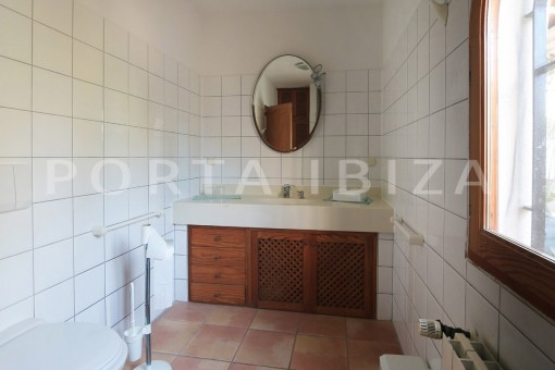 bathroom guesthouse-san carlos-ibiza
