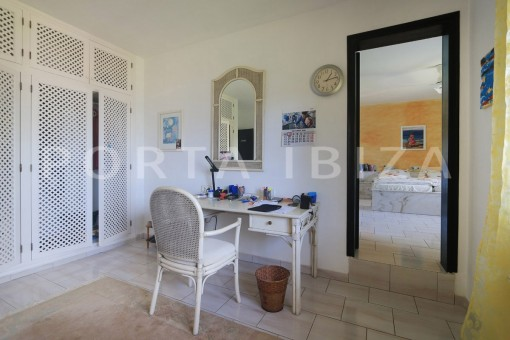bedroom & little office-san carlos-ibiza