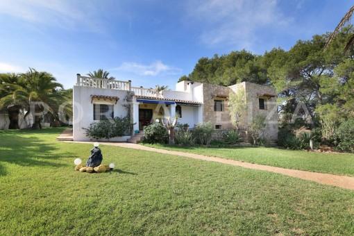 unique property & garden-san carlos-ibiza