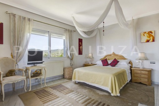 bedroom-spacious villa-sa carroca-ibiza