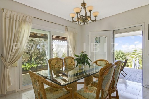 dinner-spacious villa-sa carroca-ibiza