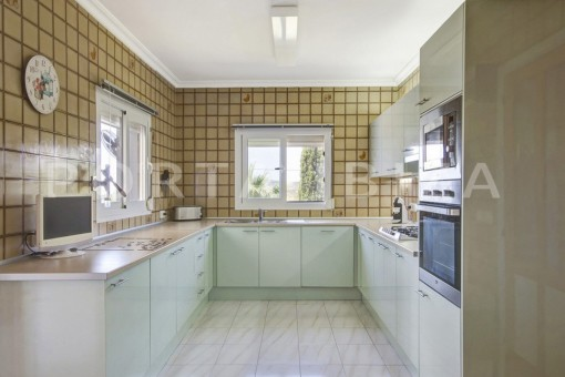 kitchen-spacious villa-sa carroca-ibiza