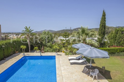 pool & garden-spacious villa-sa carroca-ibiza