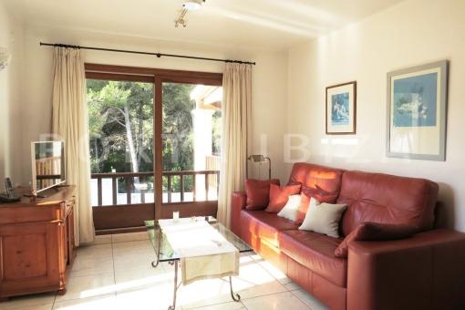 beach-wonderful living area-apartment-S'Argamassa-sea view