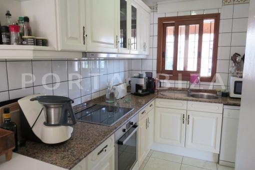 kitchen-wonderful apartment-S'Argamassa-sea view