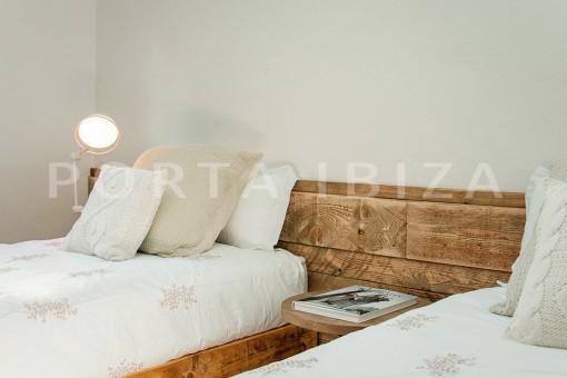 bedroom-marvelous villa-sea access-southwest coast