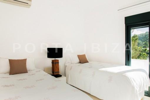 bedroom-villa-sea access-southwest coast