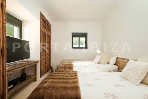 bedroom4-wonderful villa-sea access-southwest coast