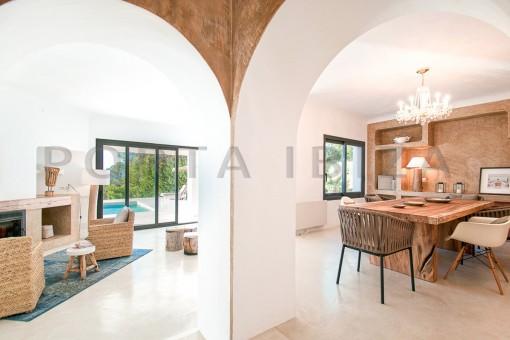 dining & living-wonderful villa-sea access-southwest coast