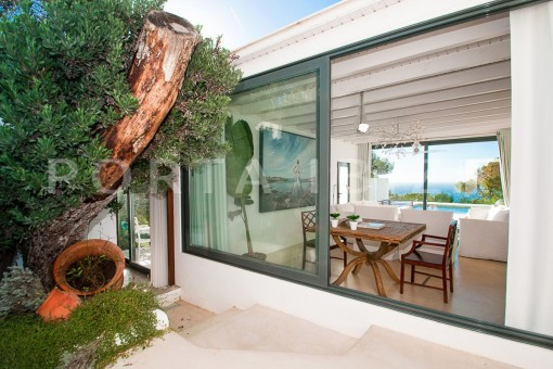 living-wonderful villa-sea access-southwest coast