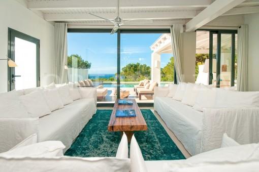 livingroom-wonderful villa-sea access-southwest coast