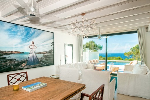 livingroom-wonderful villa-sea access