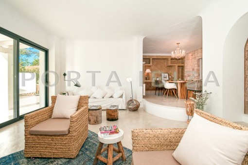 luxury living-wonderful villa-sea access-southwest coast