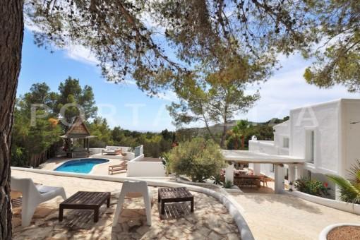Charmante Villa im mediterranen Stil in bevorzugter Lage