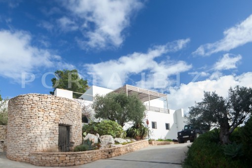 entrance-wonderful modern villa-magnificent setting-Na Xamena