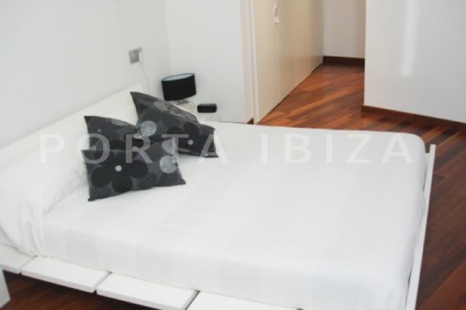 bedroom1-beautiful apartment-Botafoch-sea views