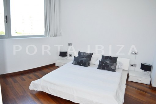 bedroom2-beautiful apartment-Botafoch-sea views