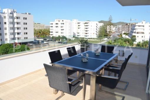 terrace dinner-beautiful apartment-Botafoch-sea views