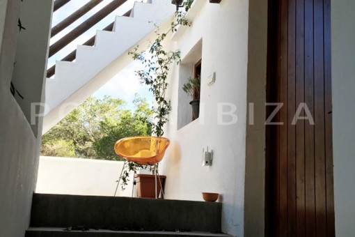 stairway to the roof-charming property-fabulous location
