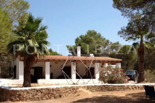 very charming property-fabulous location-Cala Conta