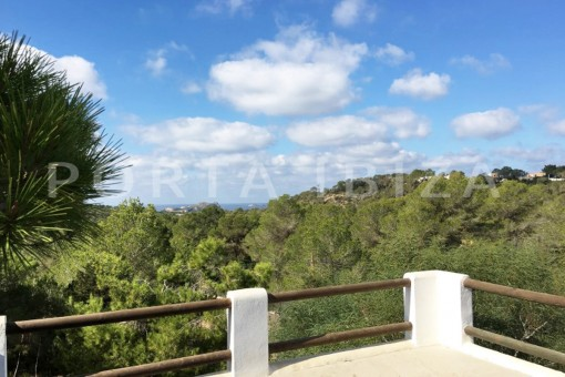 view roof terrace-charming property-fabulous location