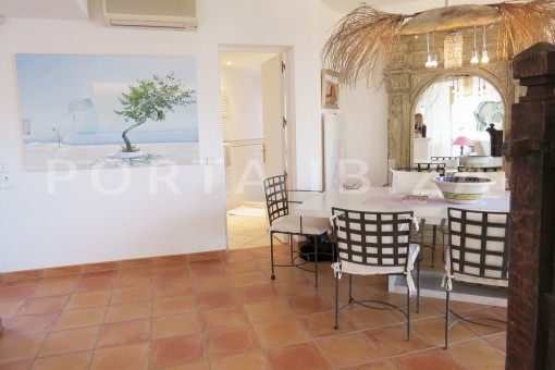 dinner area-gorgeous propertyw