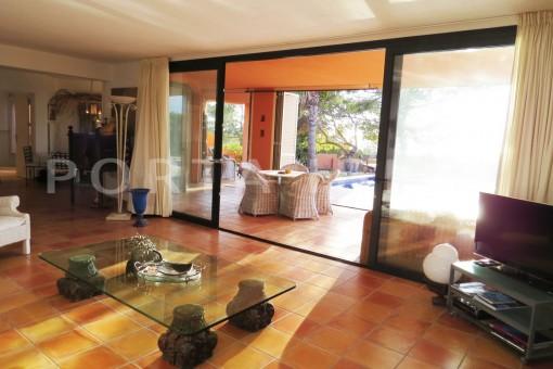 livingroom-gorgeous property